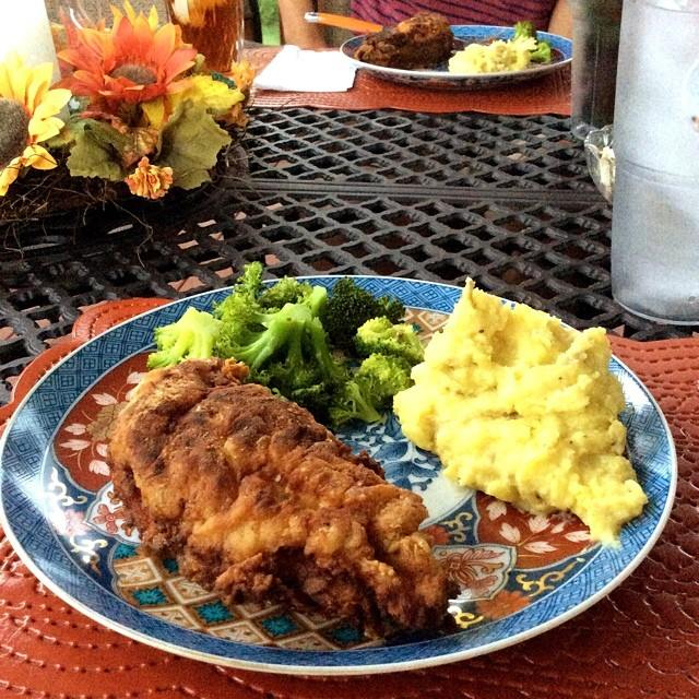 In honor of you, Mary Alice... Southern Fried Chicken, Garlic Mashed Potatoes, Steamed Broccoli & Sweet Tea.